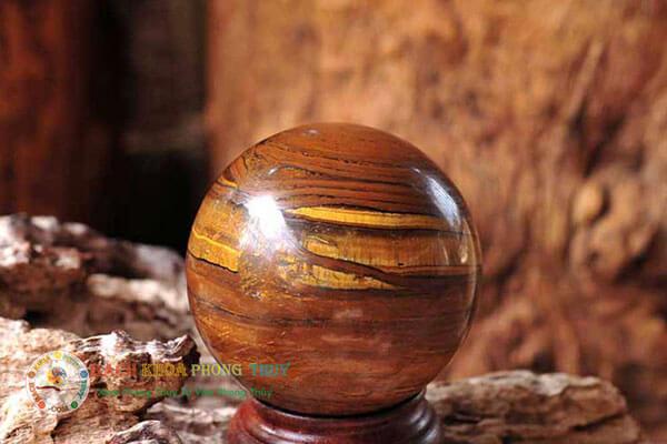 Mệnh Thổ nên chọn đá phong thủy có màu của Thổ