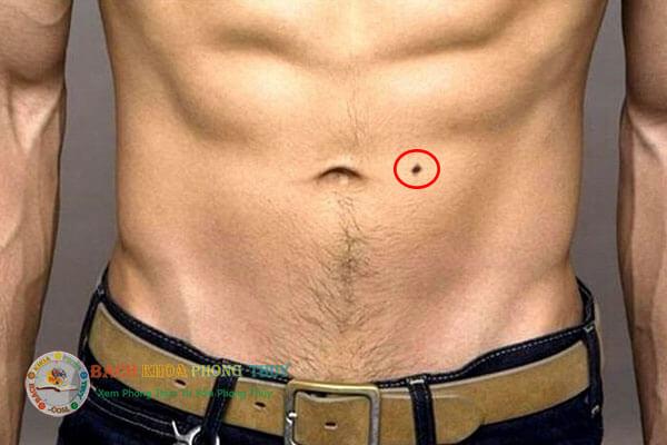 Ý nghĩa nốt ruồi ở bụng đàn ông (nam giới)